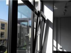不断拓展市场,铝合金门窗究竟好在哪里?