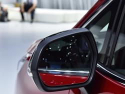这才是五菱凯捷的对手,配隐私玻璃+全景大天窗,缸盖都是铝合金