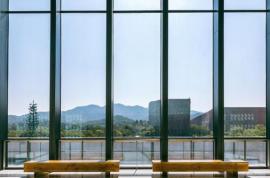 大家知道如何选择断桥铝门窗厂家?